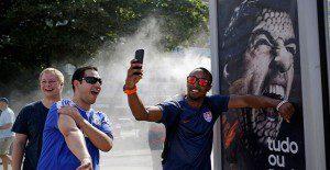 Continúan las consecuencias: Adidas retira auspicio a Suárez por mordida a Chiellini