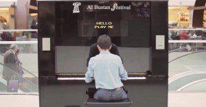 Un piano parlanchín incentiva el arte de una original manera