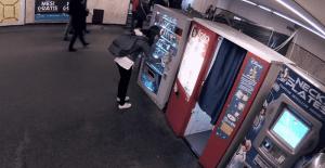 Una máquina dispensadora nos da una lección en el Día Mundial del Agua