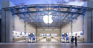 """Conoce cómo es que Apple organiza sus tiendas para """"vaciarle"""" los bolsillos a sus clientes"""