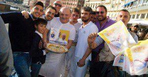 El papa Francisco le hace el milagro a una pizzería
