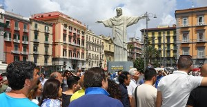 El Cristo Redentor se muda a Nápoles tras la derrota de Brasil