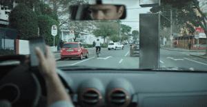 Un spot nos muestra el accidente que una sola letra puede causar