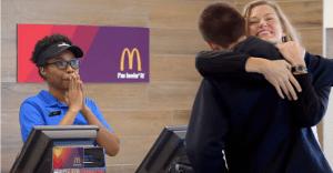 McDonald's aceptará que sus clientes usen el amor como forma de pago