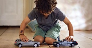 Divertida forma de promocionar el nuevo sistema anti colisión de Mercedes-Benz