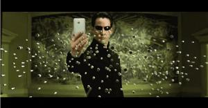 """Conocidos personajes de nuestras películas favoritas se suman a la moda del """"selfie"""""""