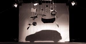 Un juego de sombras muestra el nuevo vehículo de Peugeot