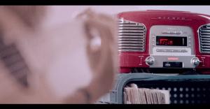 Una radio de Brasil imparte clases de guitarra de la más original manera