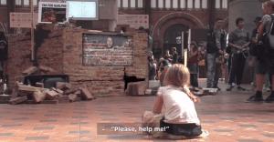 Impactante acción para concientizar al público sobre el maltrato infantil