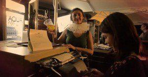 Una peculiar máquina de escribir que sirve cerveza