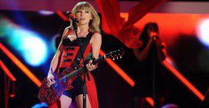 Apple se interesa en la disquera de Taylor Swift