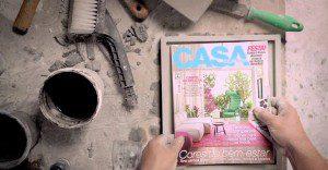Una revista de decoración con un cobertor de concreto