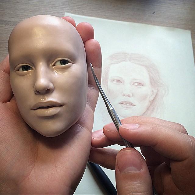 artista-realiza-rostros-de-muñecas-totalmente-reales-a-simple-vista-11
