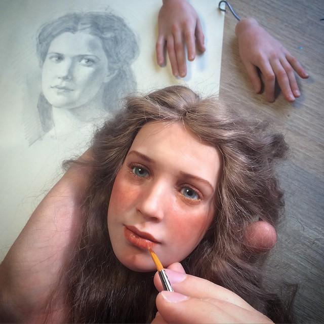 artista-realiza-rostros-de-muñecas-totalmente-reales-a-simple-vista-14