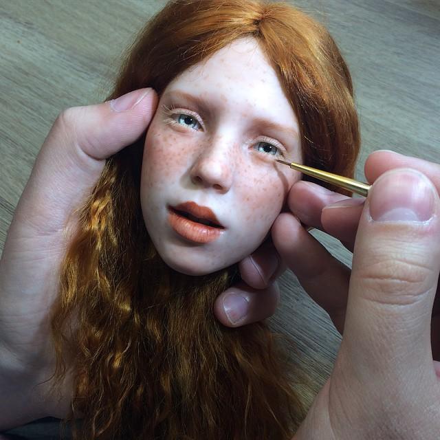 artista-realiza-rostros-de-muñecas-totalmente-reales-a-simple-vista-15