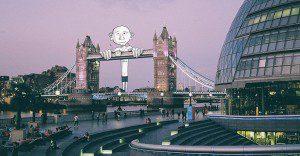 Singulares doodles se apoderan de distintos lugares del mundo en estas divertidas fotografías