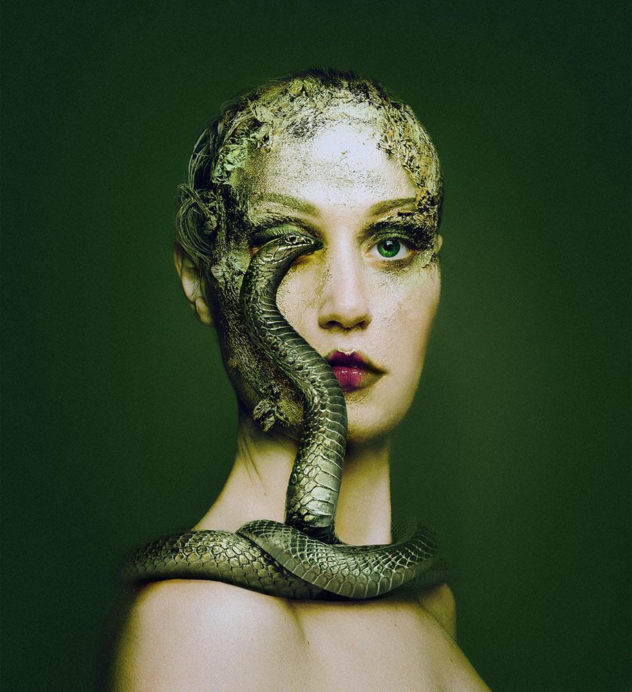 fotografa-remplaza-su-ojo-por-el-de-otros-animales-en-sus-autoretratos-3