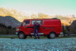 Padres aventureros viajan por dos meses con su paqueño hijo de 9 meses
