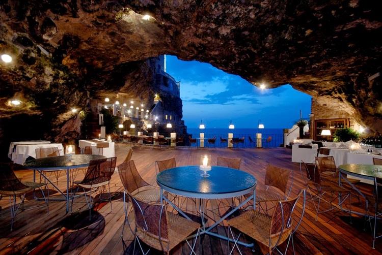 restaurant-grotta-palazzes-02