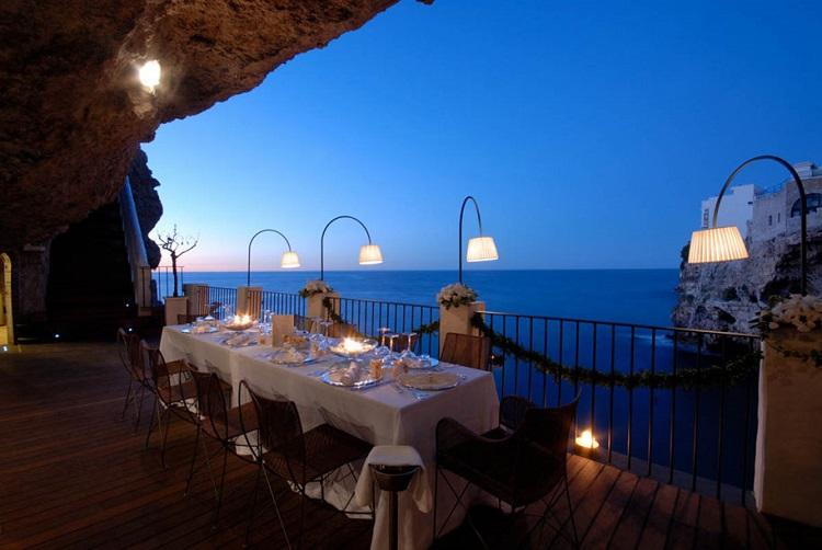 restaurant-grotta-palazzes-03