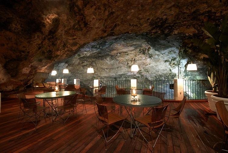 restaurant-grotta-palazzes-04