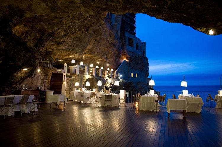 restaurant-grotta-palazzes-07