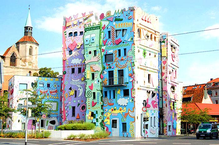 Mira la casa más feliz del mundo: Happy Rizzi3