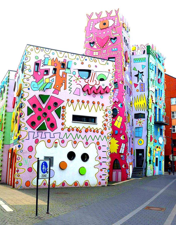 Mira la casa más feliz del mundo: Happy Rizzi8