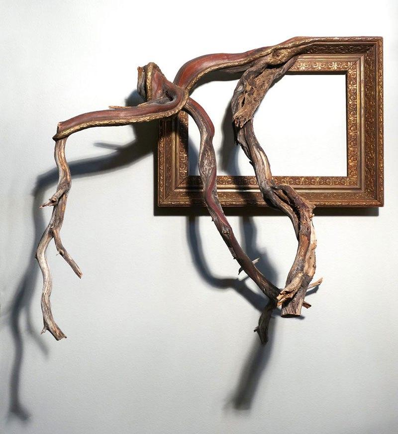 Este hombre construye arte a base de ramas caídas de un árbol 02