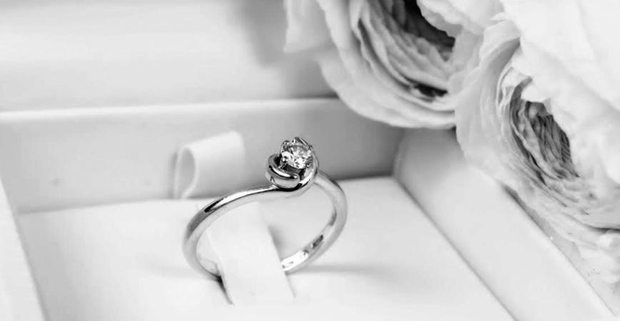 anillo-cortejo