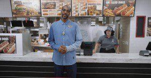 Burger King llega al mundo de los hots dogs con un singular portavoz: Snoop Dogg