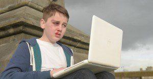 Un adolescente crea un conmovedor film contra el cyber bullying
