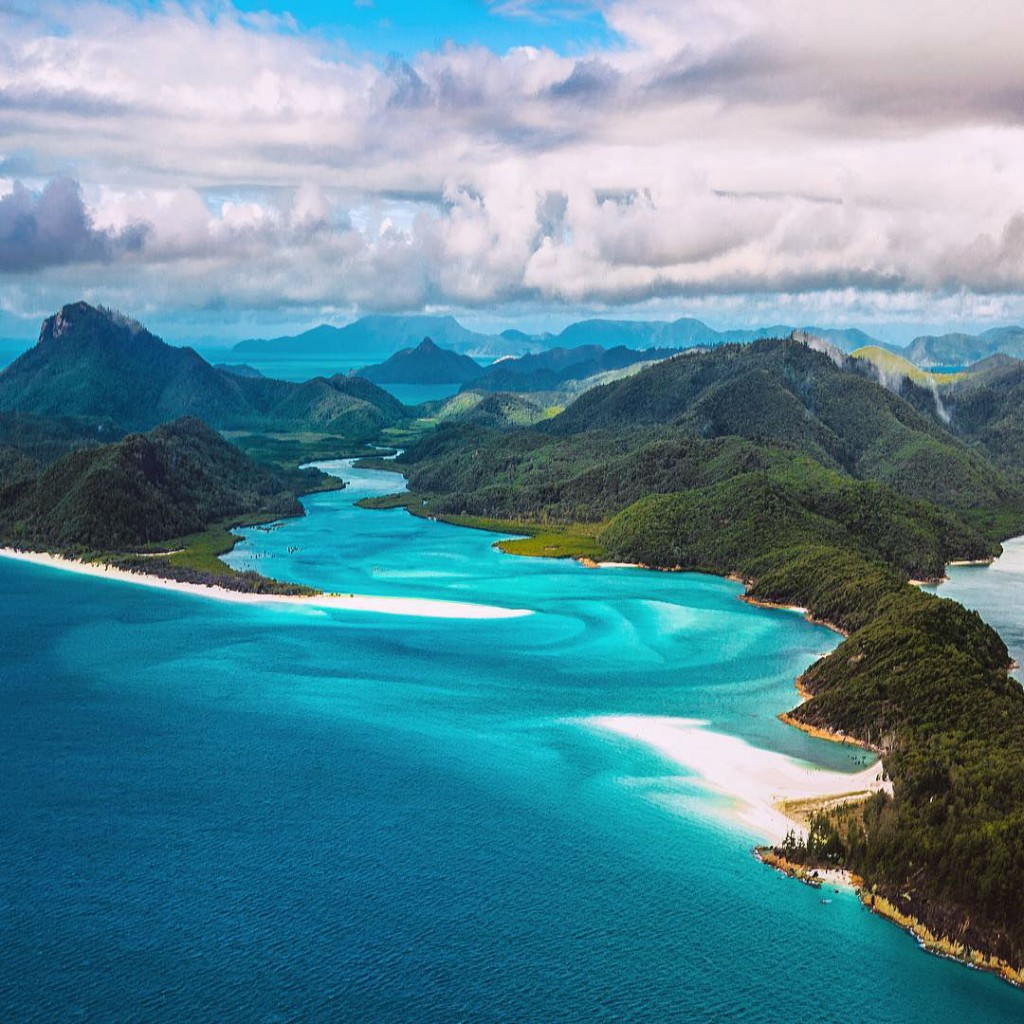 viaje alrededor del mundo con fotografías de paisajes surreales Jacob Riglin 002