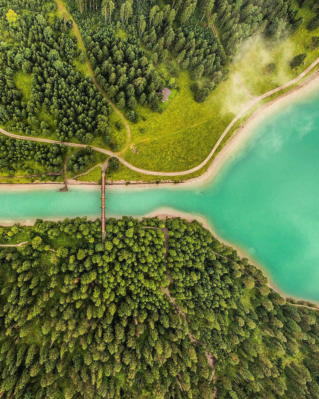 viaje alrededor del mundo con fotografías de paisajes surreales Jacob Riglin 003