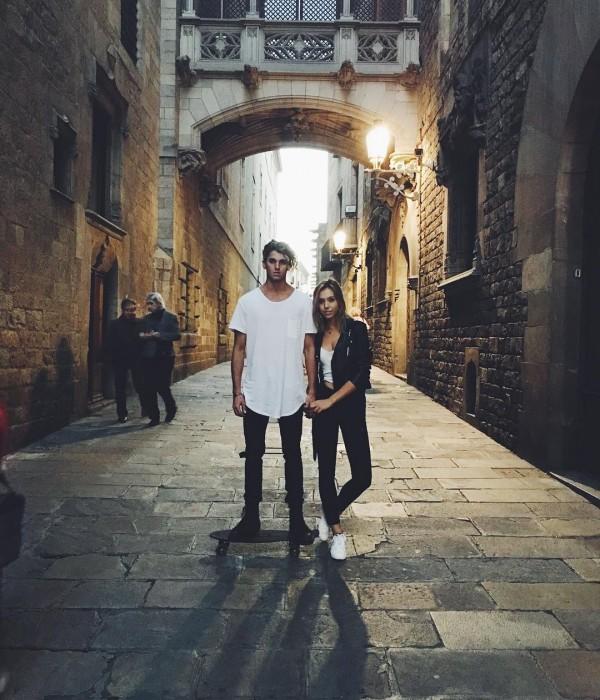 Conoce a esta popular pareja que demuestra su amor pasando las fronteras skate