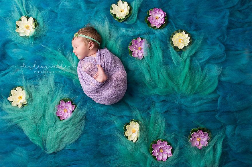 Esta fotógrafa recrea conocidas obras de arte utilizando tiernos bebés como modelos monet