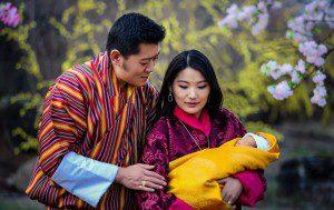 La llegada del nuevo príncipe de Bután es celebrada con 108,000 árboles plantados