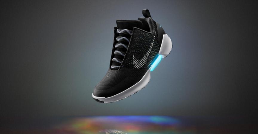 cbdb35e496e Las zapatillas Nike de Volver al Futuro II ya están aquí y la gente se está  volviendo loca por ello. Su nombre  HyperAdapt 1.0 y promete ser las más ...