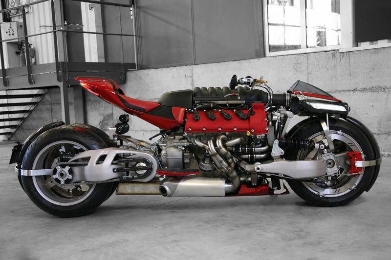 Si Batman quisiera una moto de paseo pediría esta, pero en color negro 01