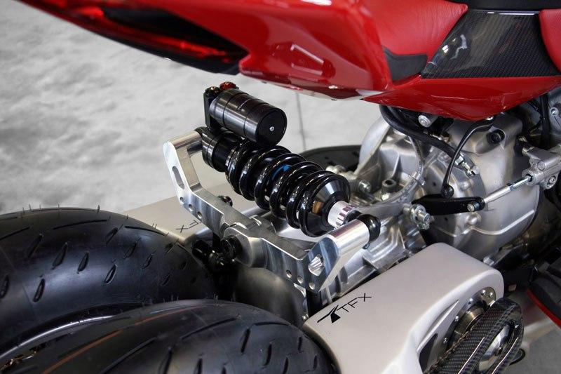 Si Batman quisiera una moto de paseo pediría esta, pero en color negro 06