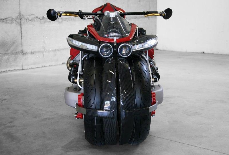 Si Batman quisiera una moto de paseo pediría esta, pero en color negro 07
