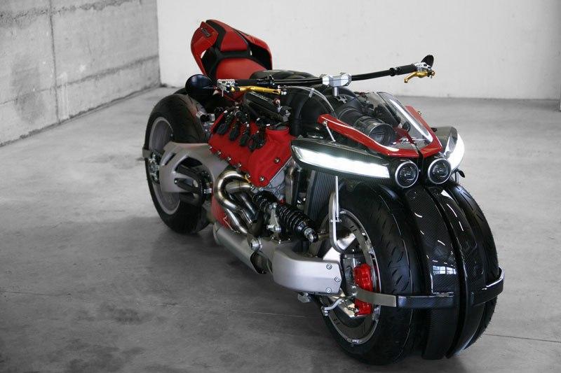 Si Batman quisiera una moto de paseo pediría esta, pero en color negro 10
