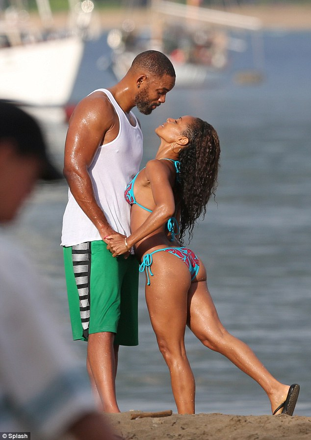 10 Momentos en los que deseaste un esposo como Will Smith playa