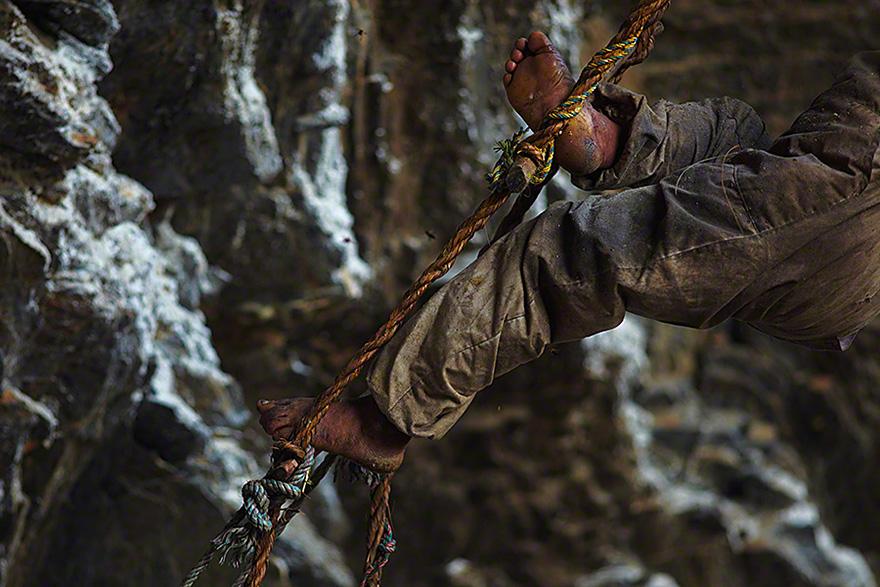 Cazadores de miel de los acantilados del Himalaya4