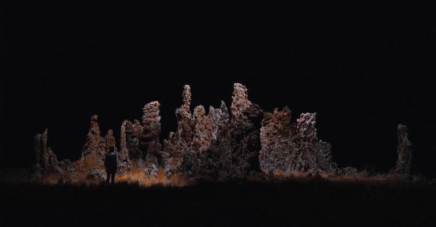 Drones Fotografían E Iluminan Hermosos Paisajes De Noche Mottpe