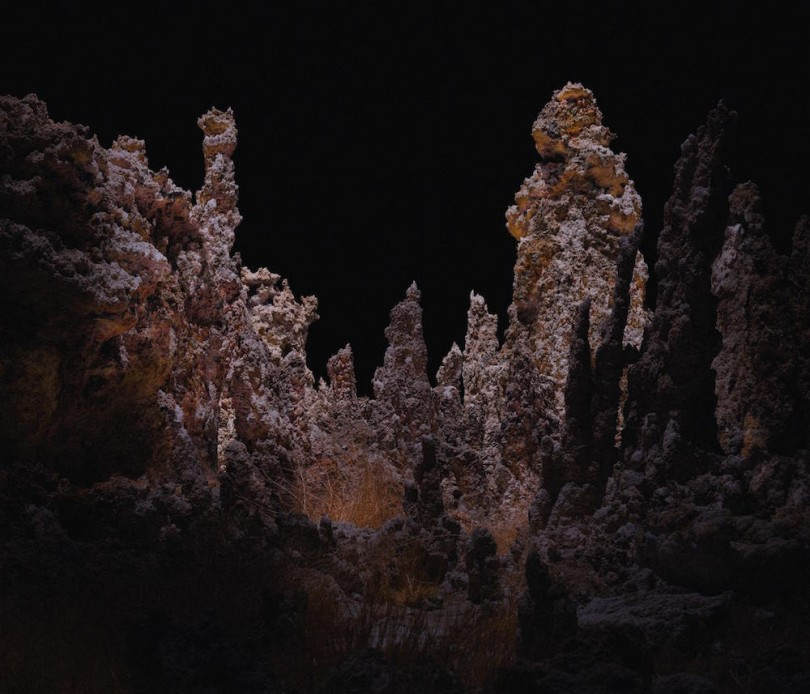 Drones fotografían e iluminan hermosos paisajes de noche1