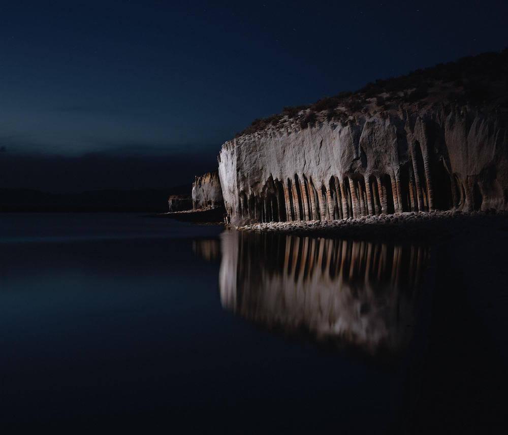 Drones fotografían e iluminan hermosos paisajes de noche3