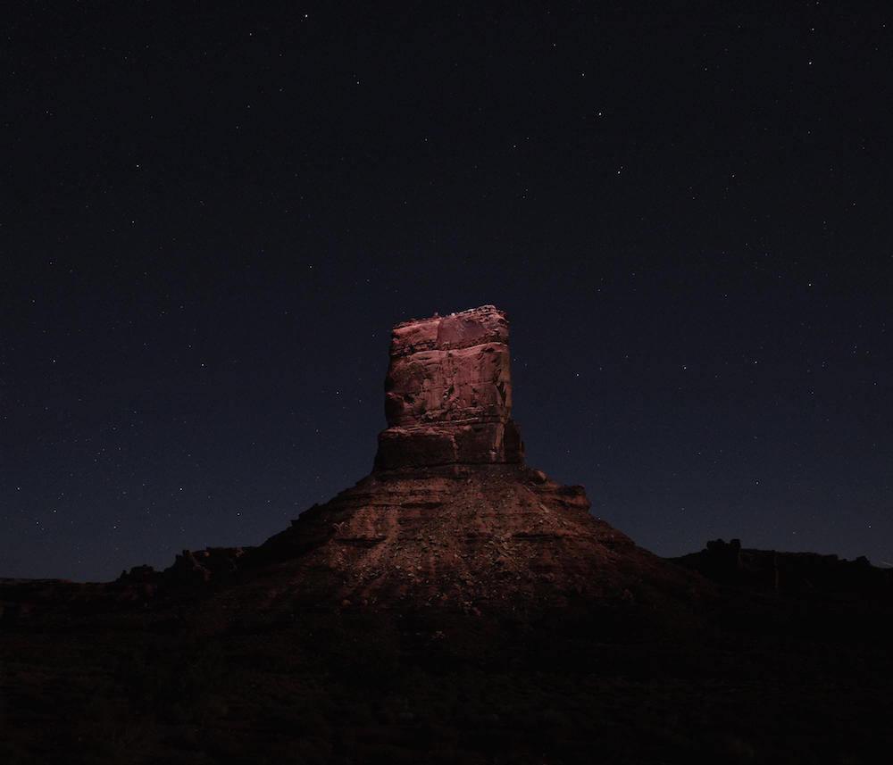 Drones fotografían e iluminan hermosos paisajes de noche4