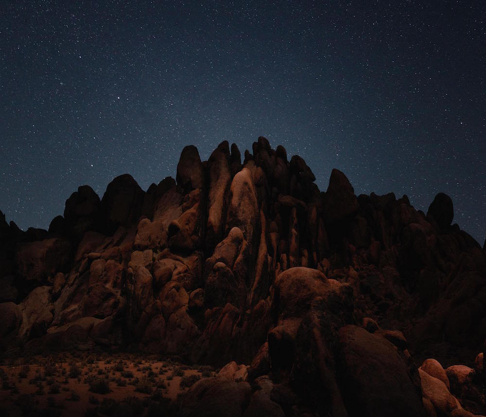 Drones fotografían e iluminan hermosos paisajes de noche6