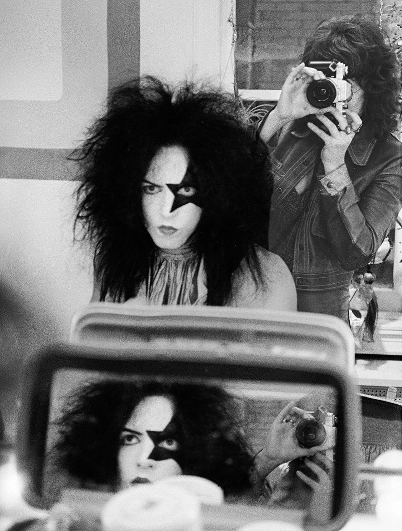 NEW YORK - APRIL 24:  Rhythm guitarist and co-lead singer Paul Stanley of American hard rock band KISS at Make Up Center on April 24, 1974 in New York City.  (Photo by Waring Abbott/Getty Images)